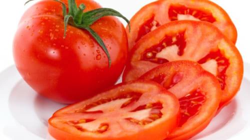 Bí kíp làm đẹp da đơn giản với cà chua