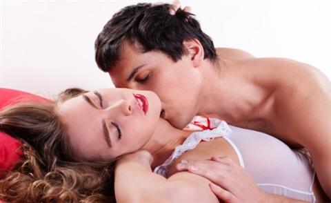 Quan hệ tình dục quyết định bao nhiêu phần trăm hạnh phúc gia đình?