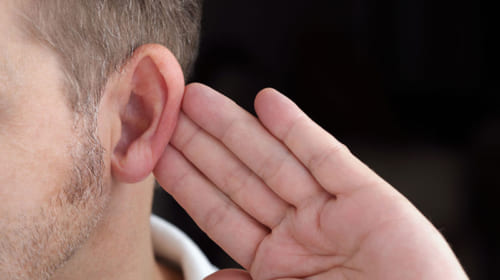 Nguyên nhân và điều trị bệnh ù tai