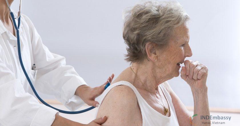 viêm phổi ở người già
